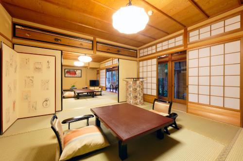 A seating area at Arashiyama Benkei