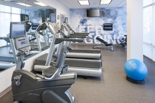 The fitness center and/or fitness facilities at SpringHill Suites by Marriott Salt Lake City Airport