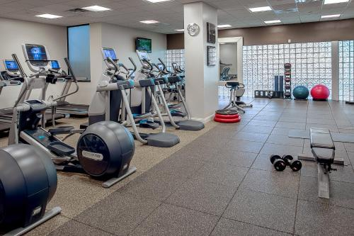 The fitness center and/or fitness facilities at Hilton St. Louis Airport