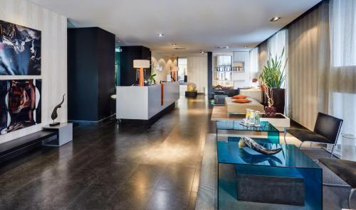 The lobby or reception area at Hotel Sercotel Ciutat D'Alcoi