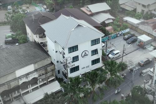 A bird's-eye view of Gusto House