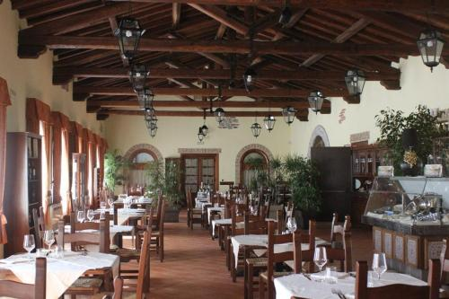 A restaurant or other place to eat at Hotel Cortese