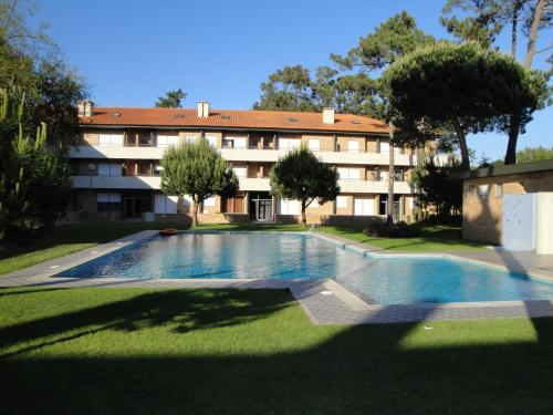 The swimming pool at or near Lirios Nature, Beach & Pool