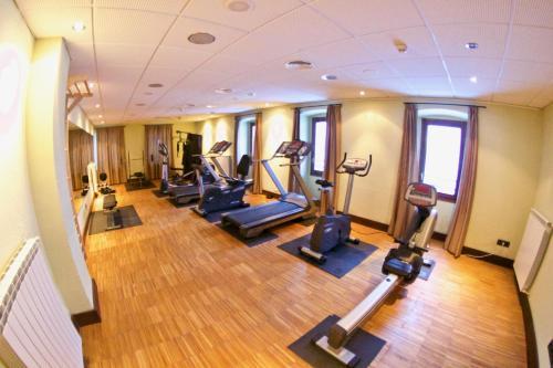 Gimnasio o instalaciones de fitness de Hotel Santa Cristina Petit Spa