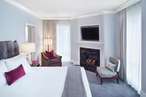 A television and/or entertainment center at Waldorf Astoria Chicago