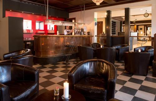 Loungen eller baren på Hotel Vinhuset