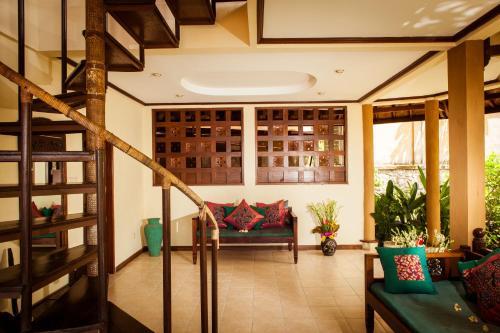 The lobby or reception area at Blue Moon Villas Resort