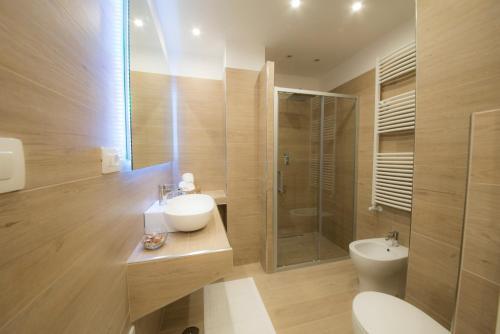A bathroom at Chérie B&B - Salerno