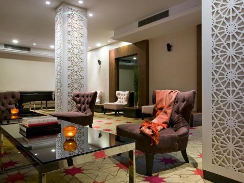 A seating area at Dan Boutique Hotel Jerusalem