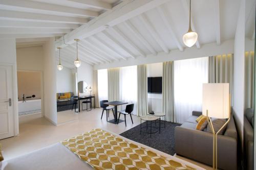 Coin salon dans l'établissement Hotel Spa Genovese