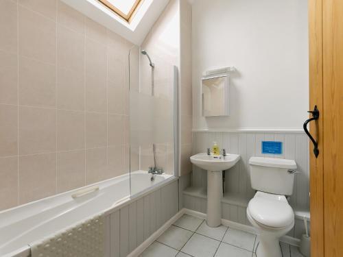 A bathroom at Wheathill