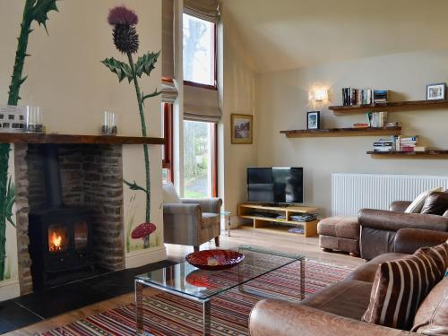 A seating area at Blossom Cottage