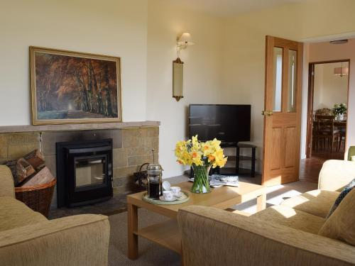 A television and/or entertainment center at Roundhill