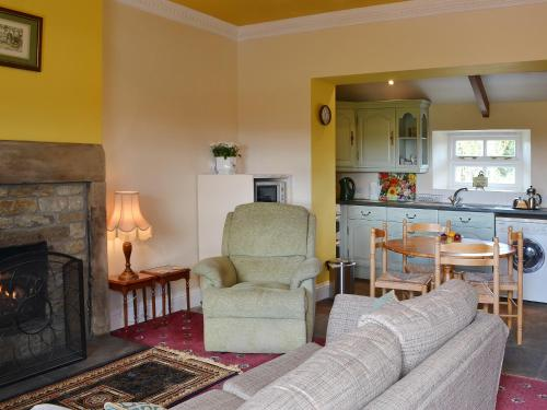 A seating area at Tom's Cottage
