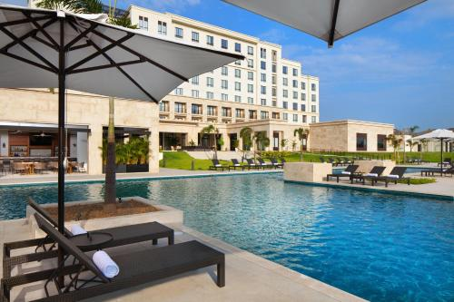 The swimming pool at or near The Santa Maria, a Luxury Collection Hotel & Golf Resort, Panama City