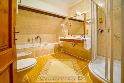 A bathroom at Josephine Old Town Square Hotel - Czech Leading Hotels