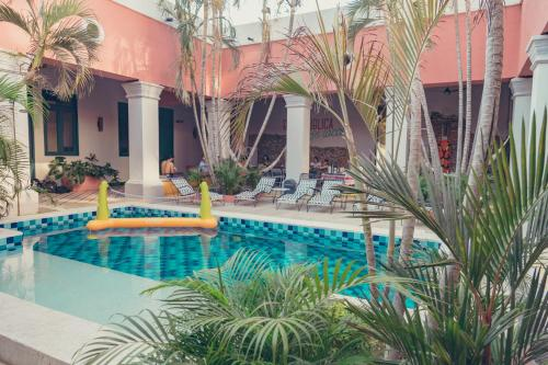 The swimming pool at or near República Bahía Santa Marta Hostel