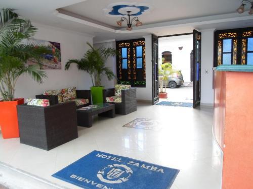 El vestíbulo o zona de recepción de Hotel Zamba