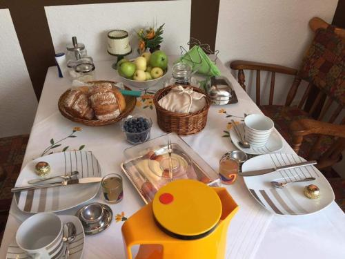 Breakfast options available to guests at Pension Alois Hennecke