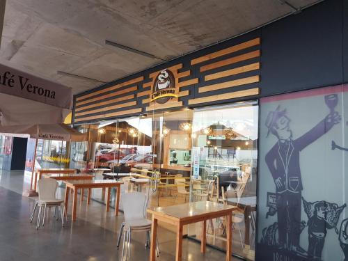 Un restaurante o sitio para comer en Departamento Antofagasta