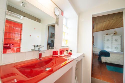 A bathroom at Monte da Freira