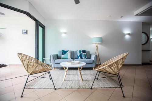 A seating area at Port Douglas Peninsula Boutique Hotel - Adults Only Haven