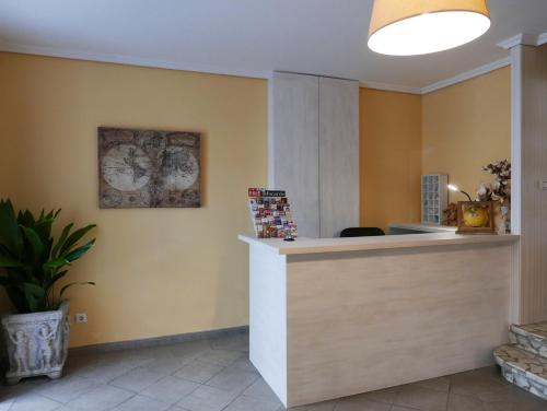 The lobby or reception area at Hotel Cais