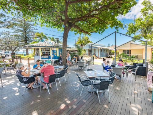 A restaurant or other place to eat at NRMA Woodgate Beach Holiday Park