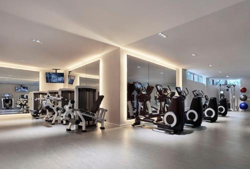 The fitness center and/or fitness facilities at The Miami Beach EDITION