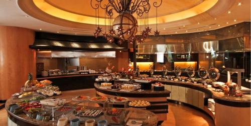 A restaurant or other place to eat at The Bellevue Hotel