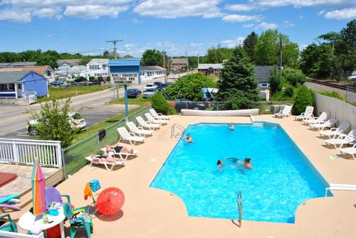 A view of the pool at Seabreeze Motel or nearby