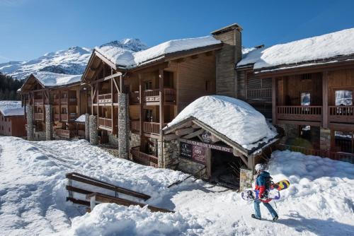 CGH Résidences & Spas Les Fermes de Ste Foy during the winter
