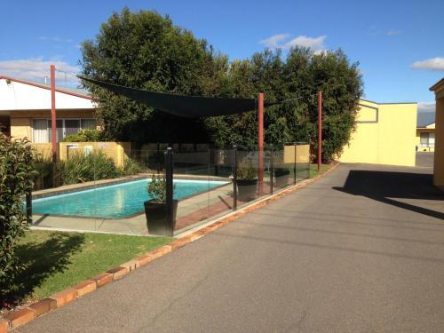 The swimming pool at or near Kyabram Motor Inn