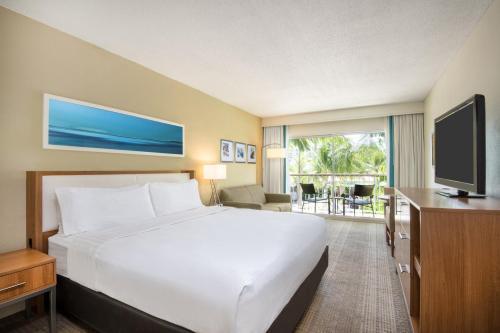 Cama ou camas em um quarto em Holiday Inn Resort Aruba - Beach Resort & Casino, an IHG Hotel