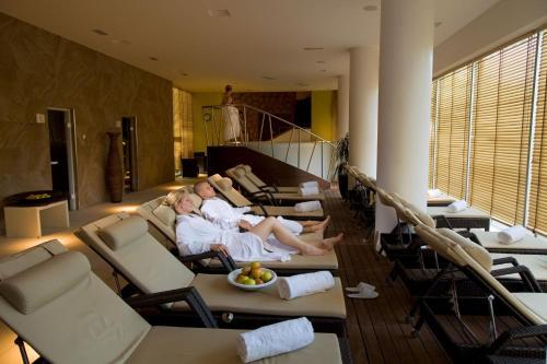 Ein Restaurant oder anderes Speiselokal in der Unterkunft Hotel Sol Garden Istra for Plava Laguna