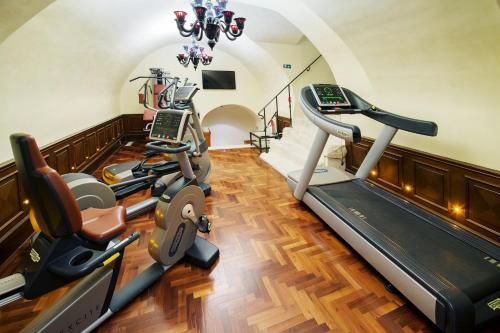 The fitness center and/or fitness facilities at Arcadia Boutique Hotel