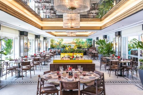 A restaurant or other place to eat at Copacabana Palace, A Belmond Hotel, Rio de Janeiro