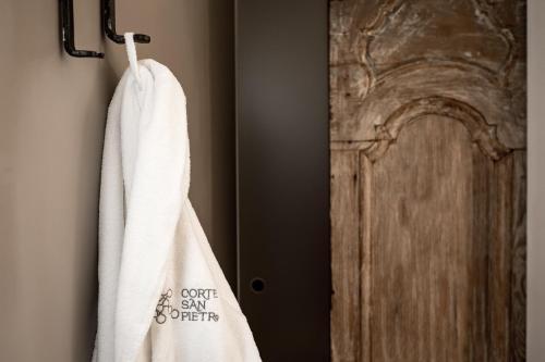 A bathroom at Corte San Pietro