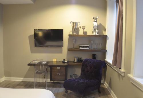 TV/Unterhaltungsangebot in der Unterkunft Hotel at the Lafayette Trademark Collection by Wyndham
