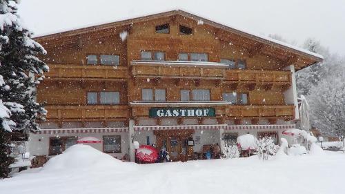Scheffauerhof during the winter
