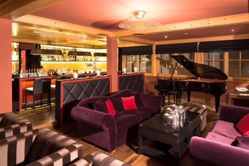 The lounge or bar area at Naturresort Schindelbruch