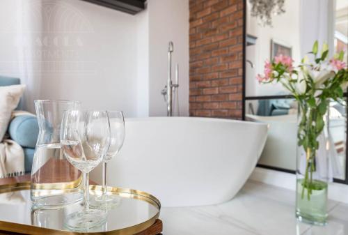Salle de bains dans l'établissement Fragola Apartments Old Town