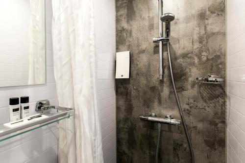 Een badkamer bij The Lancaster Hotel Amsterdam