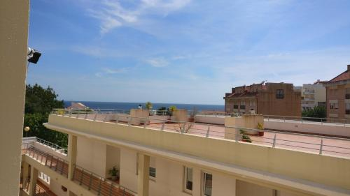A balcony or terrace at Sesimbra Oasis Apartment