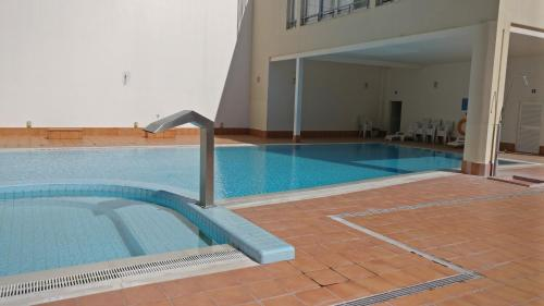 The swimming pool at or close to Sesimbra Oasis Apartment