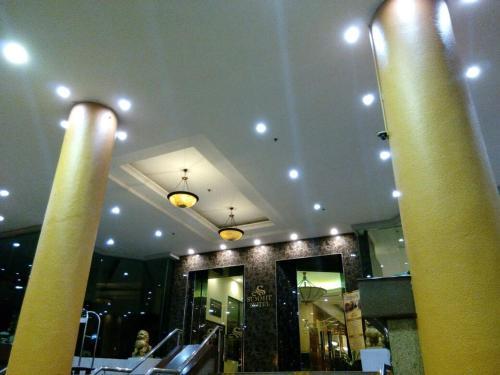 The lobby or reception area at Summit Hotel Bukit Mertajam