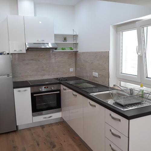 A kitchen or kitchenette at Antea