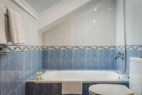 A bathroom at Hotel Surfances