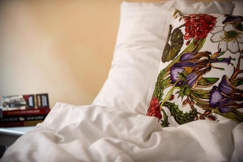 Cama o camas de una habitación en Castle House Inn