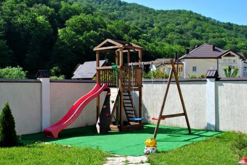Детская игровая зона в Гостевой дом Уютный уголок